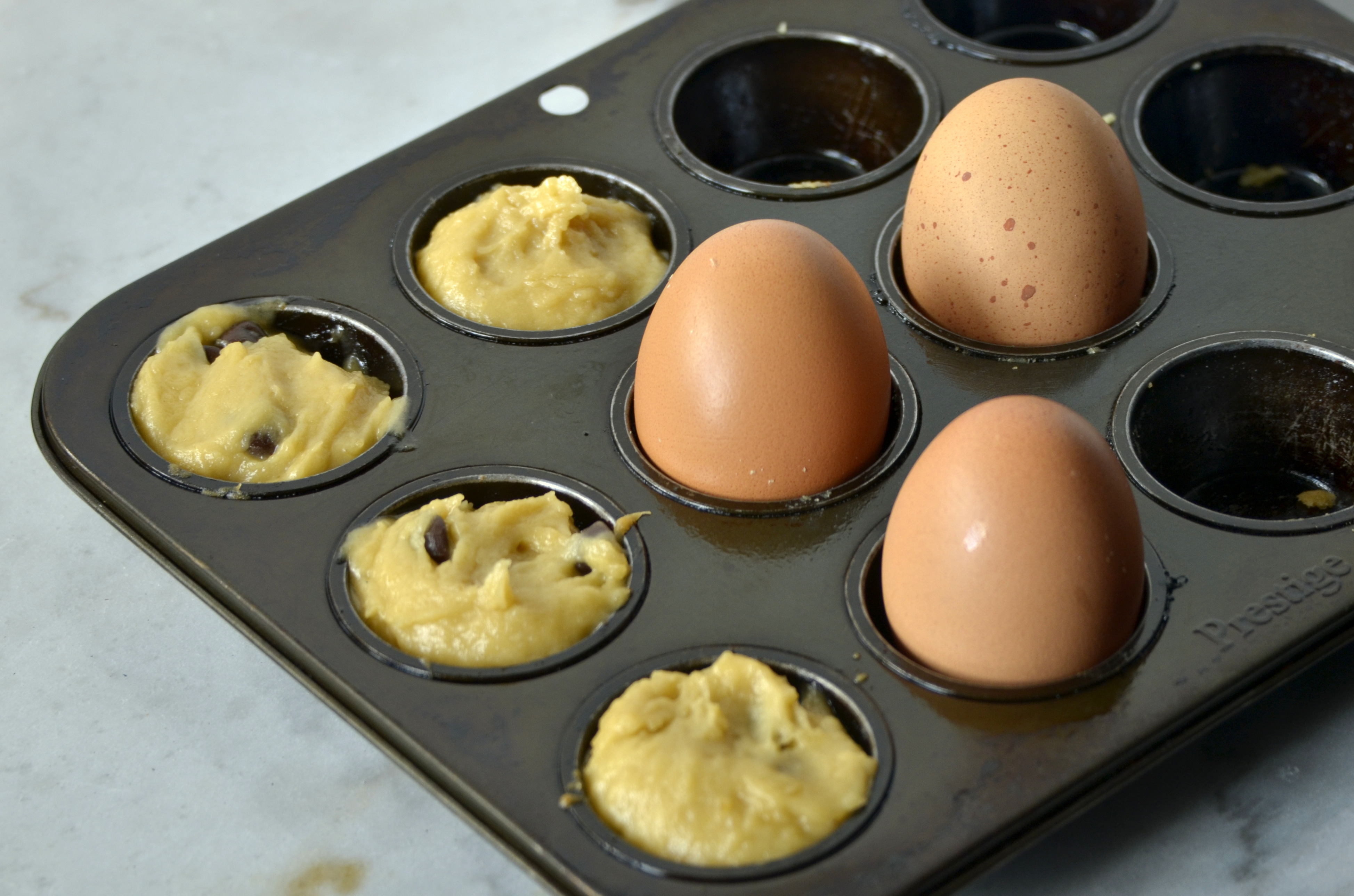 Make use of extra space by cooking eggs at the same time as the last few blondie bites